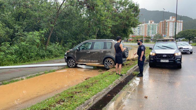Avenida da Saudade foi palco de quatro acidentes na tarde desta quarta (21) – Foto: Divulgação/GMF