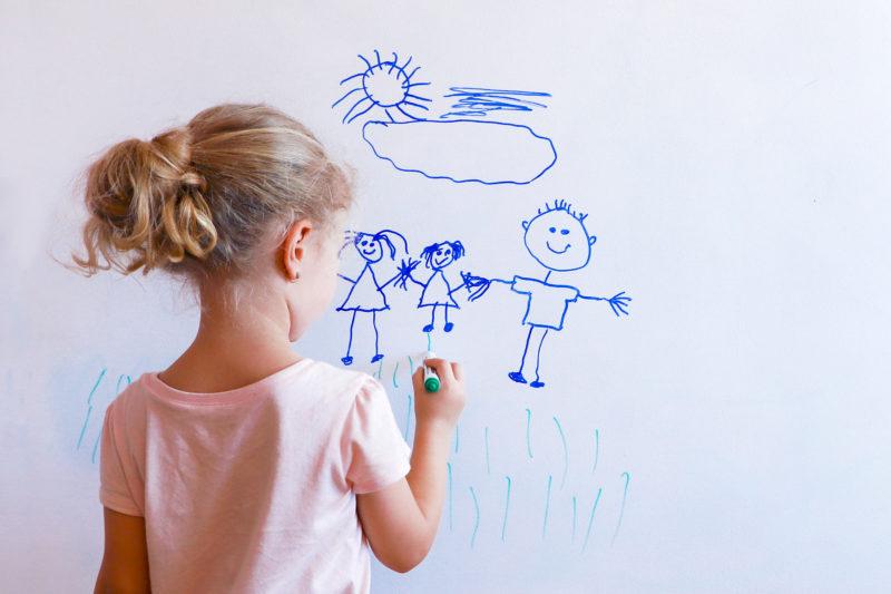 """<span style=""""font-weight: 400;"""">Com uma tinta de boa qualidade, a limpeza pode ser feita com água e esponja</span>&#8211; Foto: Divulgação/iStock"""