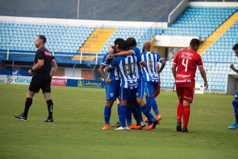 Jogadores do Avaí comemoram o gol do Jonathan – Foto: André Palma Ribeiro/Avaí F.C