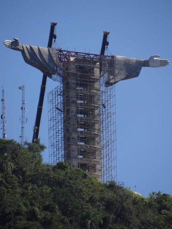 Iniciada em julho de 2019 a obra está em construção no Morro das Antenas, na Lagoa Garibaldi. – Foto: Henrique Walter/Divulgação/ND