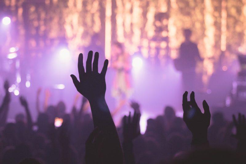 Festa com ao menos 30 pessoas é encerrada em Capinzal na madrugada de domingo (25) – Foto: Pixabay/Divulgação ND