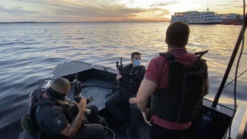 Polícia estourou balada de luxo em barco no AM – Foto: Reprodução/ND