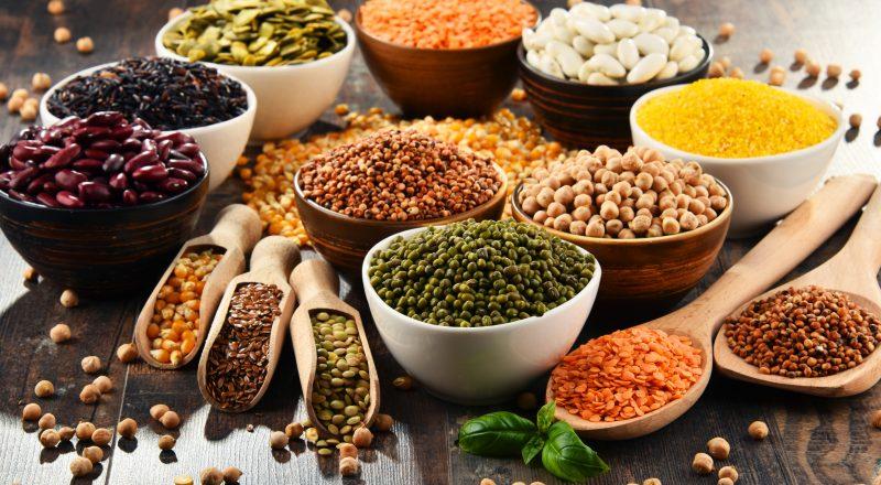 Parceira do sistema imunológico, a alimentação saudável também beneficia o equilíbrio entre a saúde do corpo e da mente – Foto: iStock/Divulgação