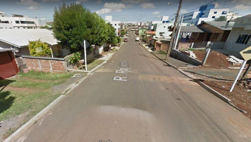 Mulher chegava em casa no bairro Efapi quando foi surpreendida pelo ex-companheiro – Foto: Google Street View/Divulgação ND