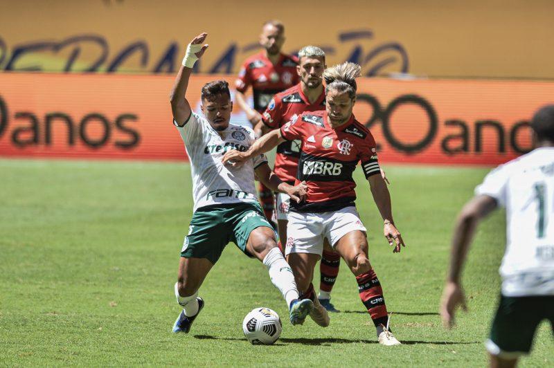 Partida entre as equipes de Flamengo e Palmeiras, válida pela Super Copa do Brasil, realizada no estádio Mané Garrincha, na Cidade de Brasília, neste domingo (11). – Foto: Nayra Halm/Agência O Dia/ Estadão Conteúdo