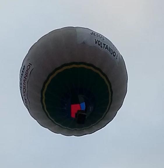 Pastor do balão deu voltas em vários bairros da cidade nesta madrugada – Foto: Reprodução/Redes Sociais