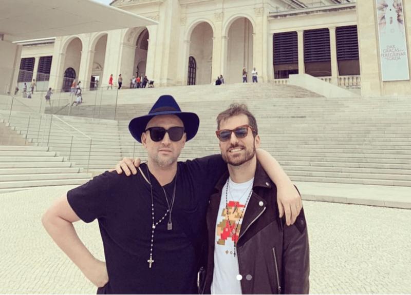 Paulo Gustavo e Thales Bretas em visita a Fátima, em Portugal: pedido para a santa – Foto: Reprodução Instagram