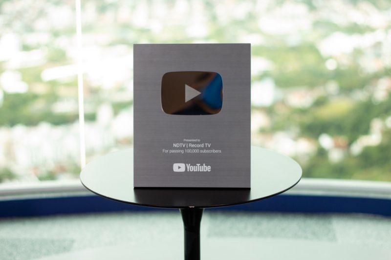 placa de 100 mil inscritos do youtube
