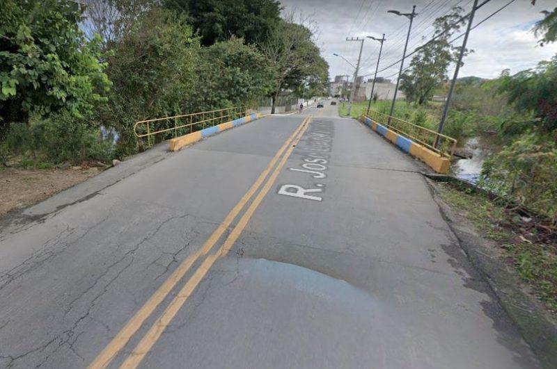 Ponto 'rachada' preocupa moradores da Murta, em Itajaí – Foto: Google/Reprodução/ND