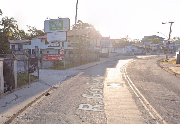 Acidente ocorreu próximo ao nº 190 da via – Foto: Reprodução/Google Maps/ND