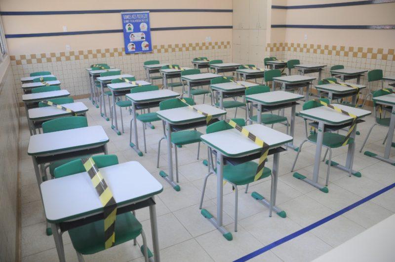 Salas de aula funcionam com distanciamento e recebendo somente parte dos alunos – Foto: Leo Munhoz/ND