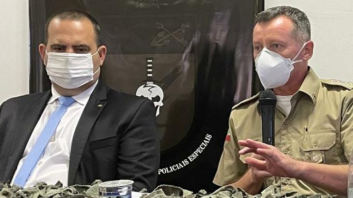 Secretário nacional de segurança pública,, Carlos Renato Machado Paim (à esq.), e o comandante da PMSC, coronel Dionei Tonet – Foto: Divulgação/ND