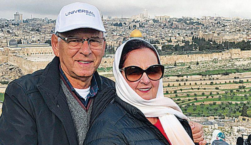 Jornalista Moacir e a mulher, Adir, na viagem à Terra Santa – Foto: Moacir Pereira/Arquivo Pessoal