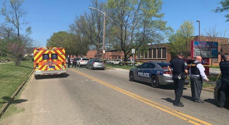 Tiroteio deixa vários feridos em escola secundária em Knoxville, no Tennessee (EUA) – Foto: Polícia de Knoxville/Reprodução Twitter