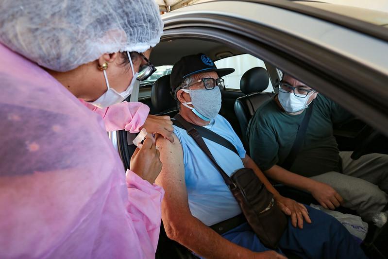 Novos grupos são incluídos no calendário de vacinação contra Covid-19 na Capital – Foto: Mauricio Vieira/Secom