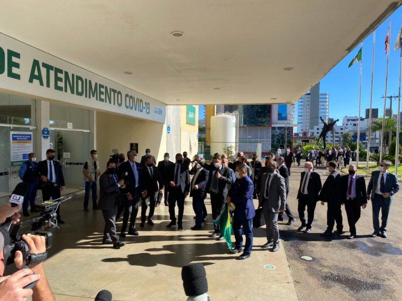Bolsonaro visitou o Centro Avançado de Atendimento Covid, montado em Chapecó, neste mês – Foto: Willian Ricardo/ND