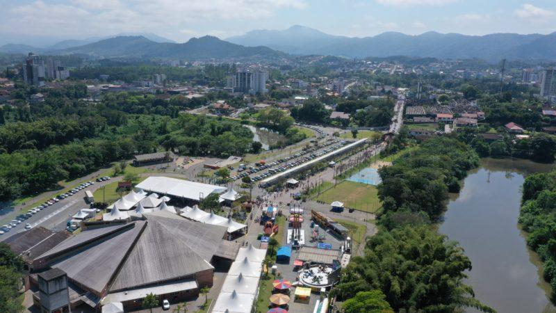 Festa do Imigrante ocorre no calendário de outubro na cidade – Foto: Divulgação/Turismo Timbó