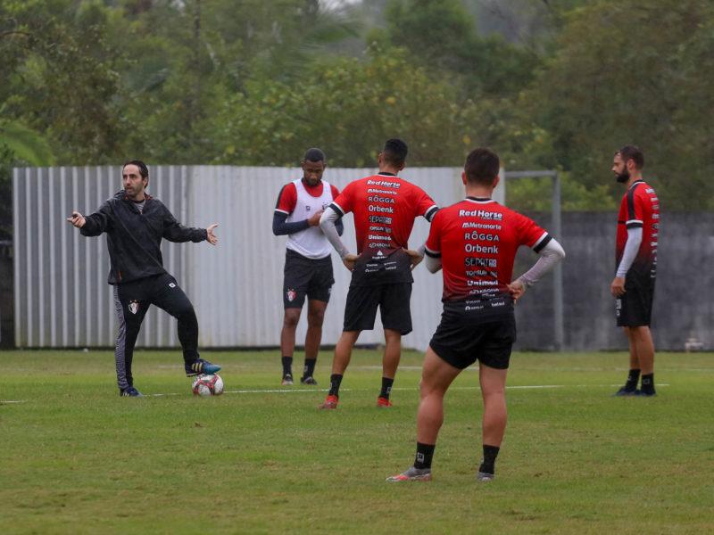 """Zago adianta que o time não terá """"um esquema tático"""" e sim possibilidades de adaptação às realidades de jogo – Foto: Vitor Forcellini/JEC/Divulgação/ND"""