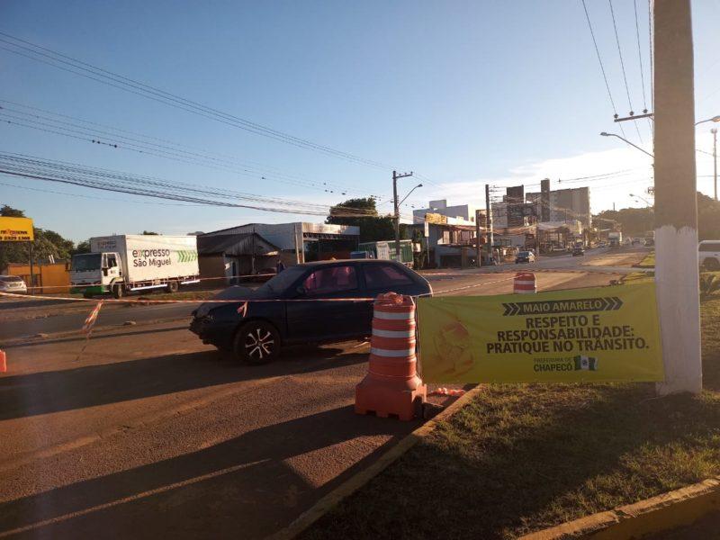 Sucatas de carros foram colocadas em alguns pontos da cidade. – Foto: Prefeitura de Chapecó/Divulgação/ND