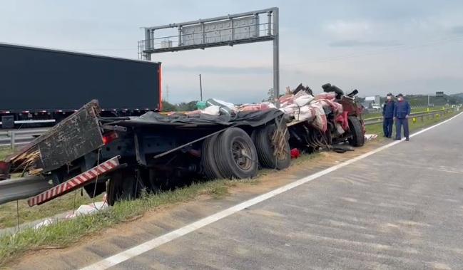 Trecho catarinense da BR-101 registrou mais de 2.100 acidentes em 2020 – Foto: CBMSC/Divulgação/ND