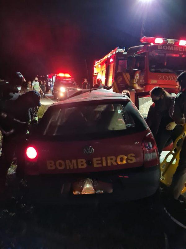 Bombeiros estavam a caminho de um curso em Curitiba quando ocorreu o acidente – Foto: Corpo de Bombeiros Militar/Divulgação