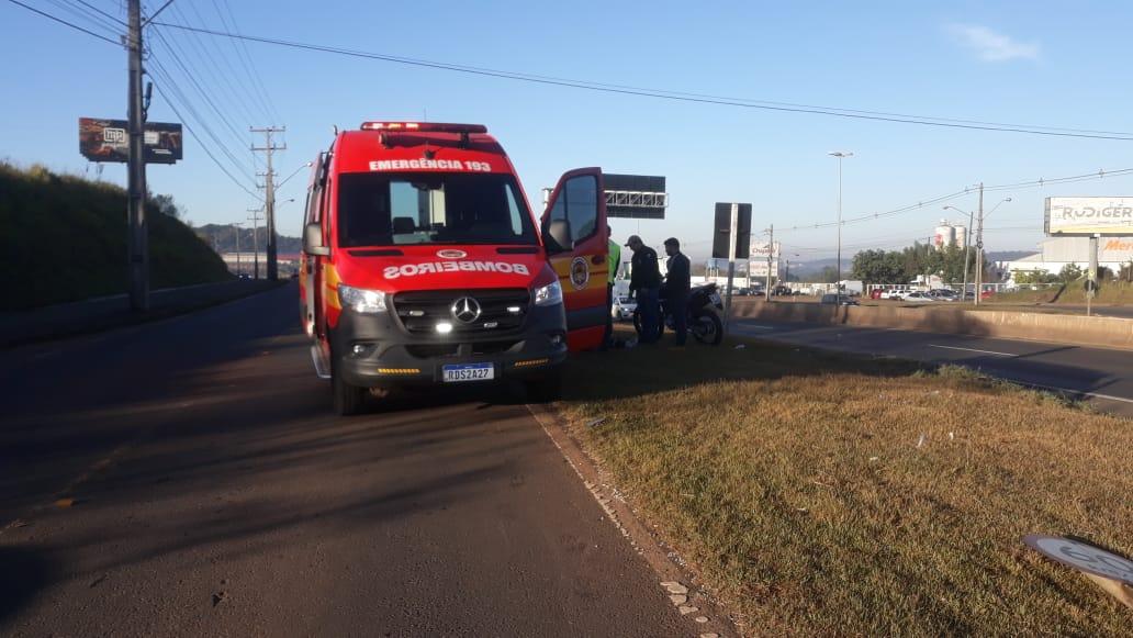 Corpo de Bombeiros foi chamado por volta das 8h desta terça-feira (18) na BR-480, rodovia que dá acesso ao trevo da BR-282 - Diego Antunes/NDTV