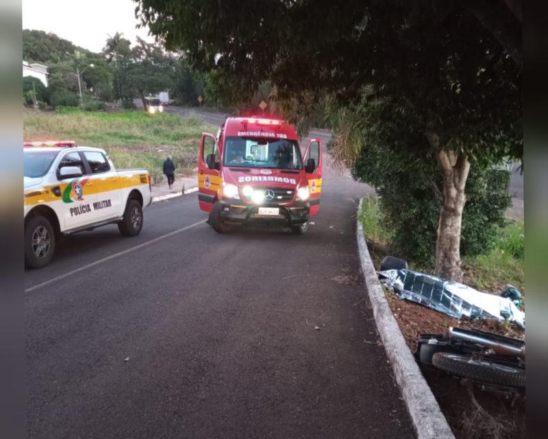 Idoso de 66 anos é encontrado já sem vida ao lado da motocicleta – Foto: Corpo de Bombeiros/Divulgação/ND