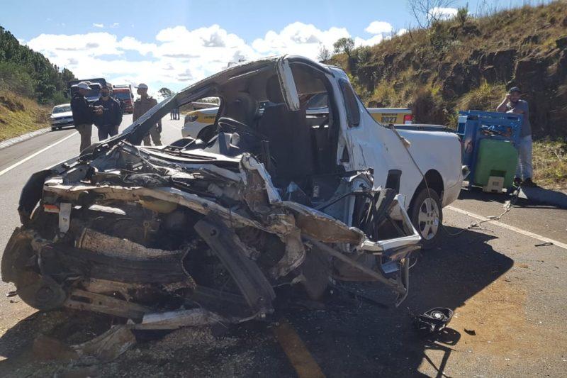 Colisão frontal entre carros mata motorista na Serra Catarinense – Foto: Divulgação/Corpo de Bombeiros