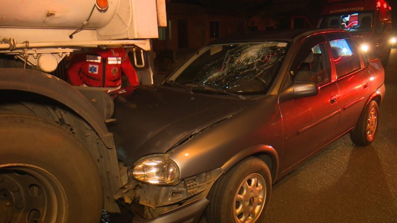 Acidente aconteceu na zona Sul de Joinville na noite de domingo (2) – Foto: Jonathan Rocha/NDTV