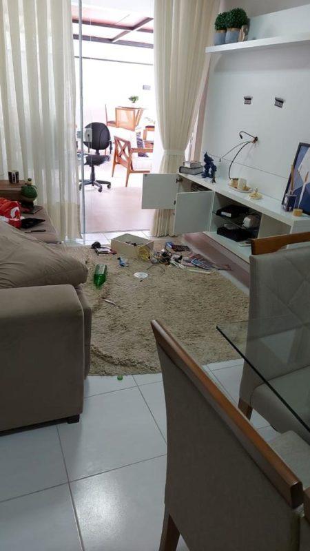 Moradora encontrou apartamento totalmente revirado