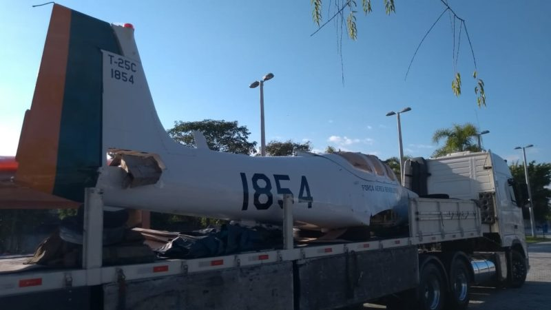 Avião doado pela Força Aérea Brasileira vira atração no Memorial Aeroporto Anita Garibaldi em Tubarão – Foto: Marcelo Becker