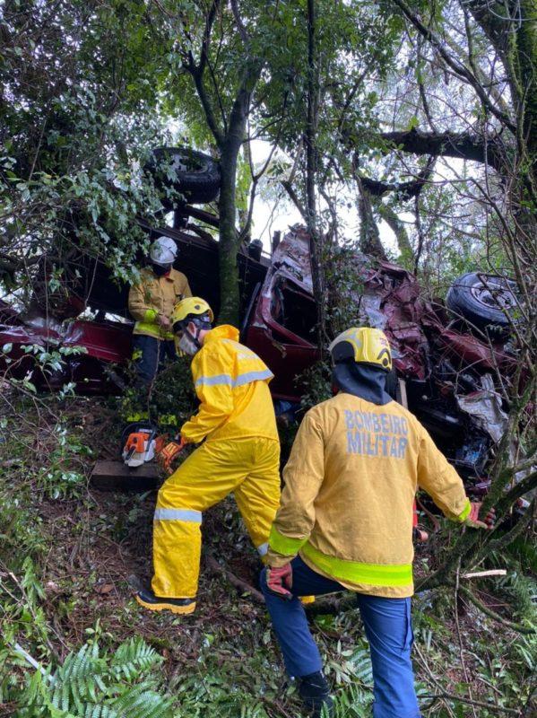 Um homem, que não teve a identidade revelada, morreu após se envolver em um acidente de trânsito no início da tarde desta quinta-feira (6), na SC-283, em Chapecó, no Oeste catarinense. – Foto: Corpo de Bombeiros/Divulgação/ND