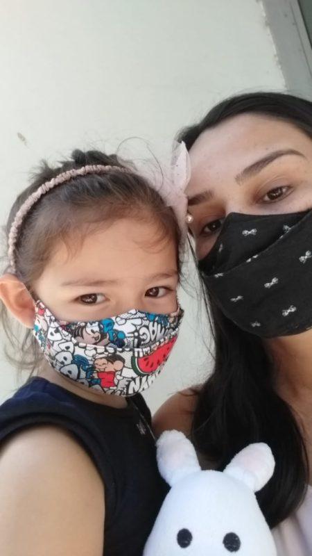 Camila, de 22 anos, passa os dias se dedicando à filha Maria, de 3 anos – Foto: Arquivo pessoal/ND