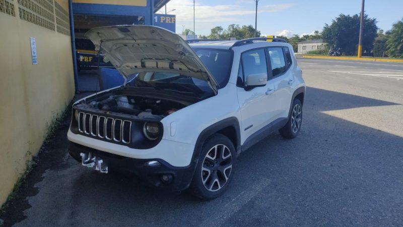 Carro havia sido locado e nunca devolvido para a empresa – Foto: PRF/Divulgação