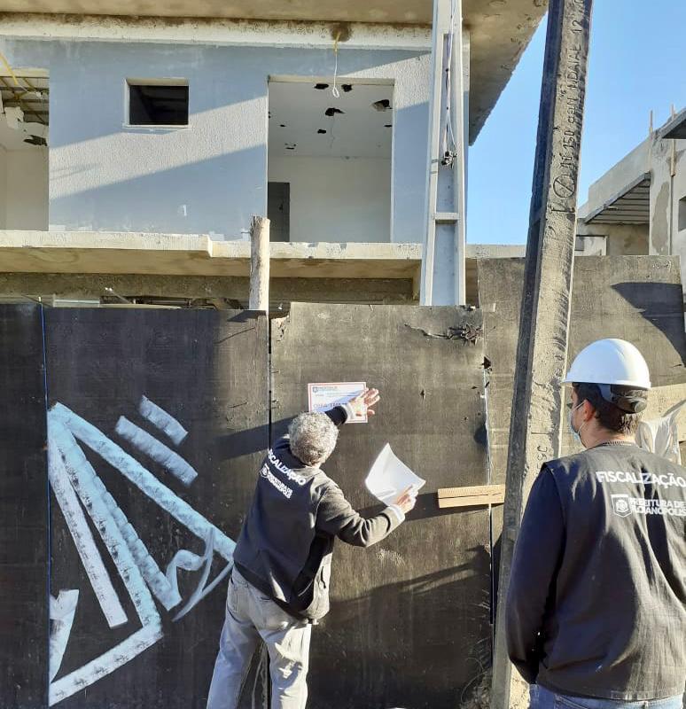 Casa irregular é demolida em Florianópolis - PMF/Divulgação/ND