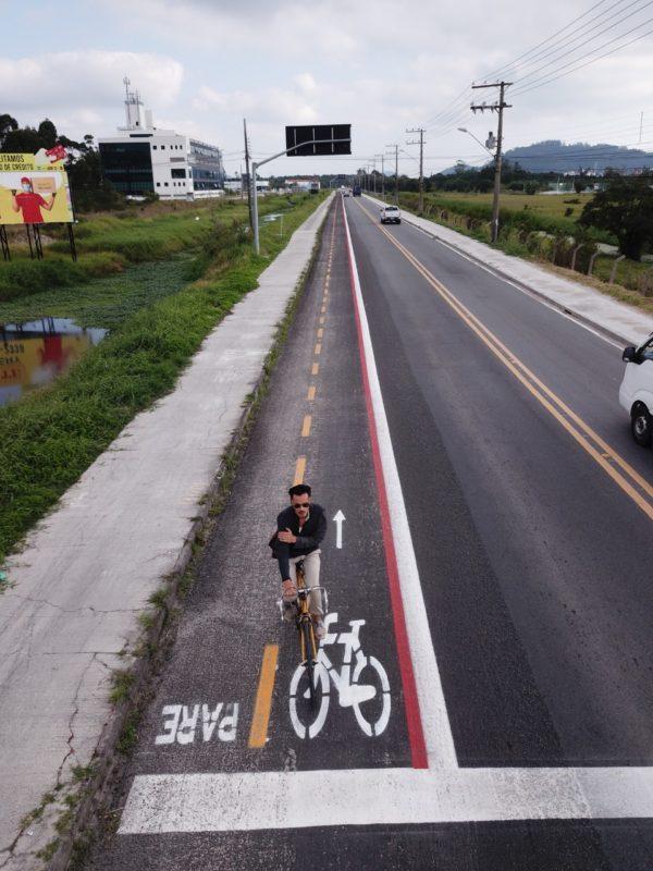 Ciclovia na avenida Luiz Boiteux Piazza – Leonardo Sousa/PMF/Divulgação/ND