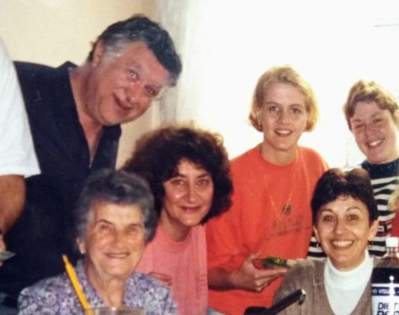 Da esquerda para a direita: Odilon Muncinelli, Hilda Tarlombani Wengerkiewicz, Aldair Wengerkiewicz Muncinelli, Mariane e Madeleine Ulrich e Crista Falkoski – Foto: Arquivo/Aldair Muncinelli