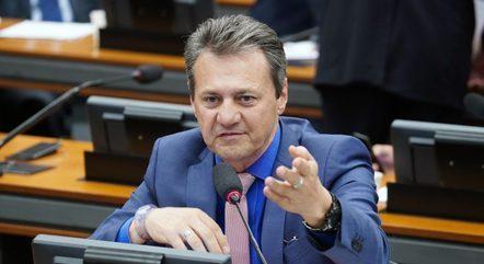 Comentário do deputado criou polêmica durante a sessão – Foto: PABLO VALADARES/CÂMARA DOS DEPUTADOS
