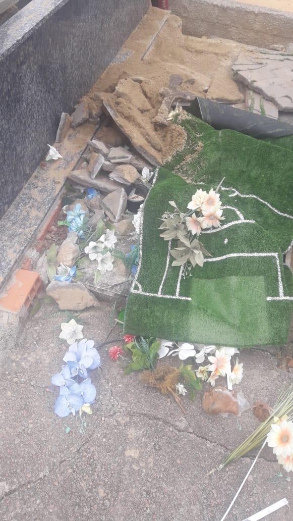 Morto teve a cabeça arrancada no cemitério de José Boiteux - Divulgação/PM José Boiteux/ND