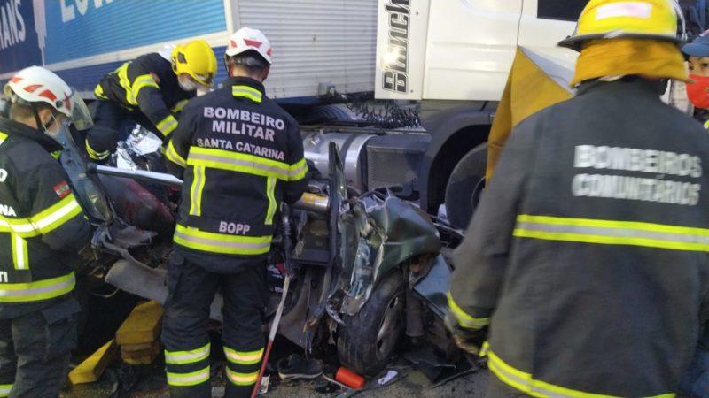 acidente aconteceu no km 61 da BR-470, no Badenfurt