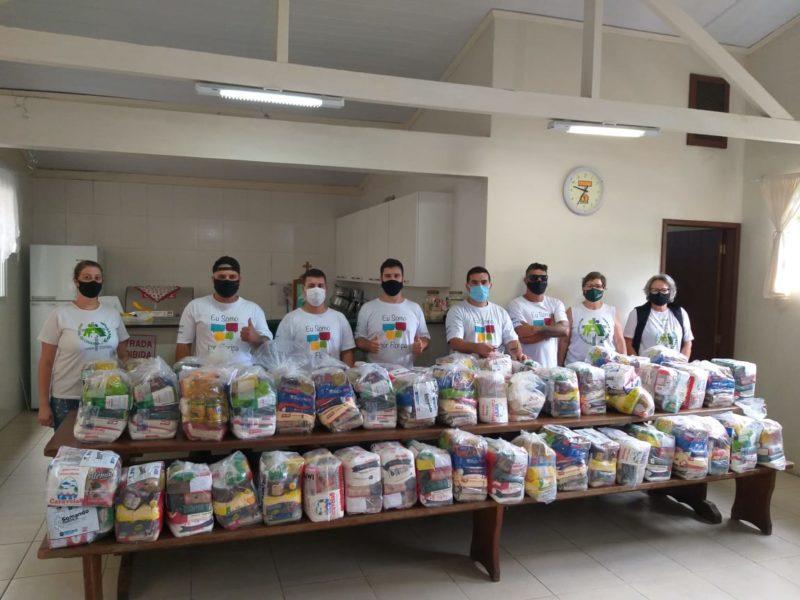Entrega de alimentos realizada na instituição social Pastoral da Criança – Foto: PMF/Divulgação/ND