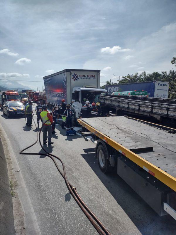 Acidente ocorreu na manhã desta terça-feira (4) – Foto: Águia/Divulgação