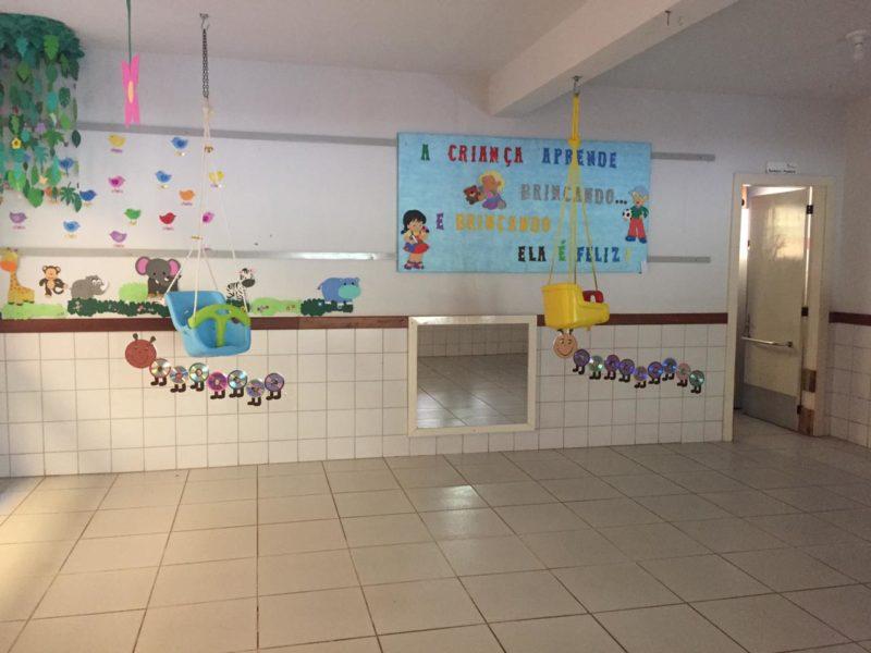 Sala onde a maioria das crianças foi assassinada na creche Pró-Infância Aquarela, em Saudades – Foto: André Rohde/RecordTV/ND