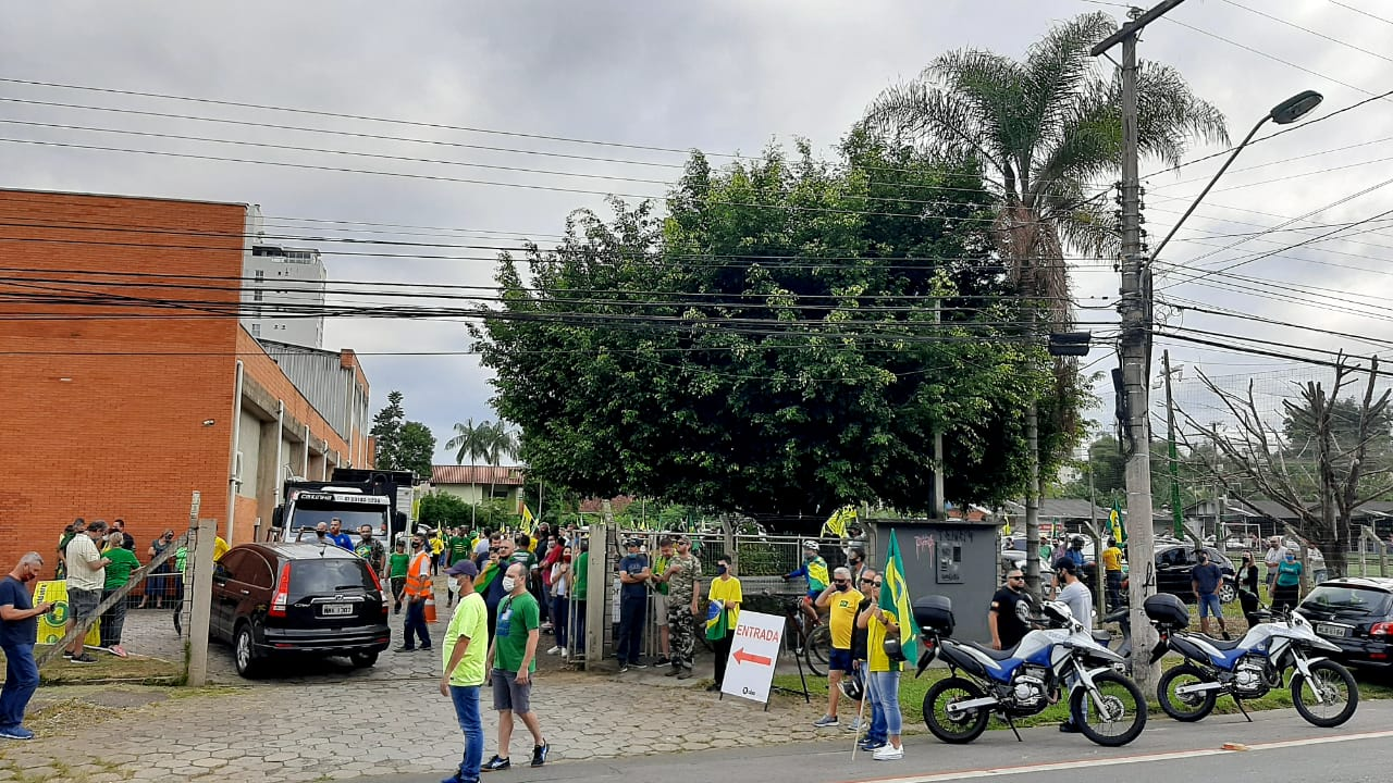 Manifestação pró-Bolsonaro em Blumenau - Fábio Bublitz/NDTV Blumenau (3)