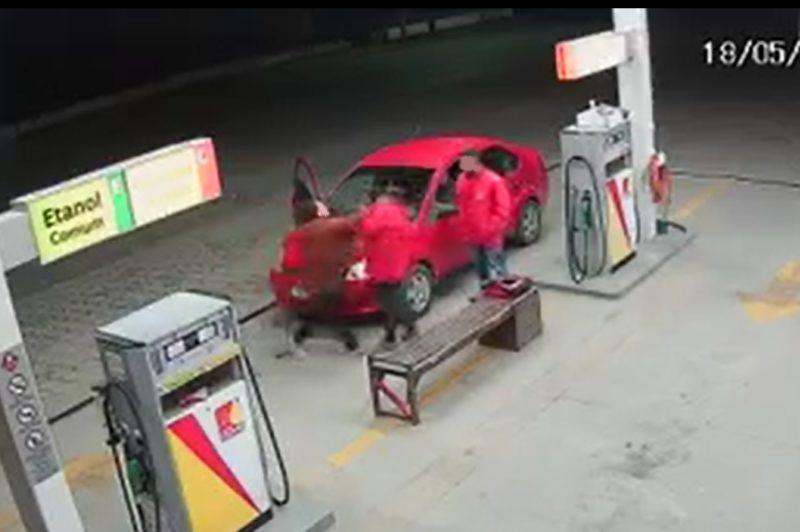 Frentista é agredida por colocar R$3 a mais de gasolina em SC – Foto: Reprodução/Redes Sociais