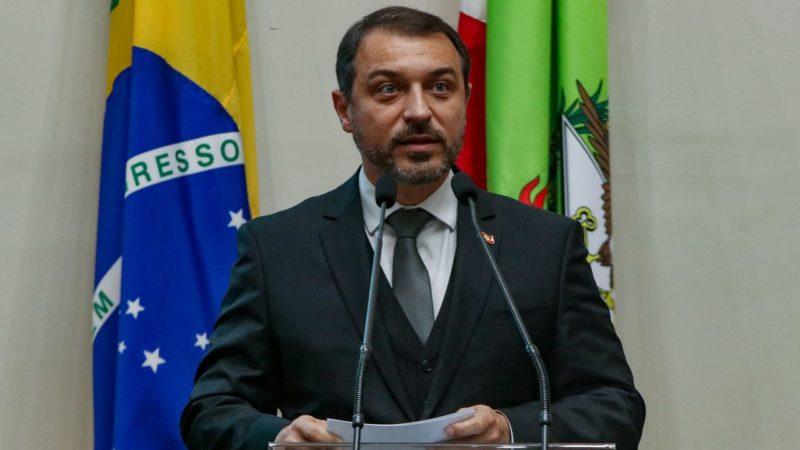 Governador Carlos Moisés da Silva foi convocado para depor na CPI da Covid – Foto: MauricioVieira SECOM-SC/ND