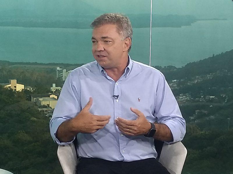 Gean falou sobre as ações no combate à pandemia e obras na capital catarinense – Foto: Paulo Rolemberg/ND