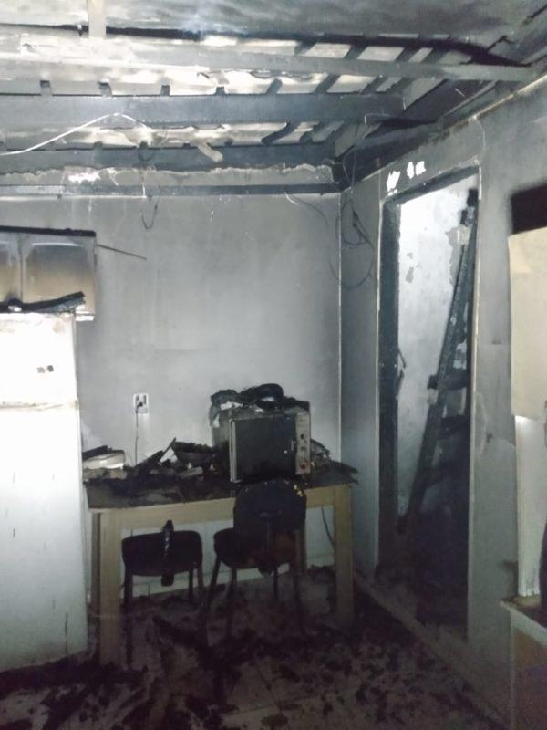 Casa de alvenaria de, aproximadamente, 50 metros quadrados, ficou com toda a cobertura destruída- Foto: CBMSC/Divulgação/ND
