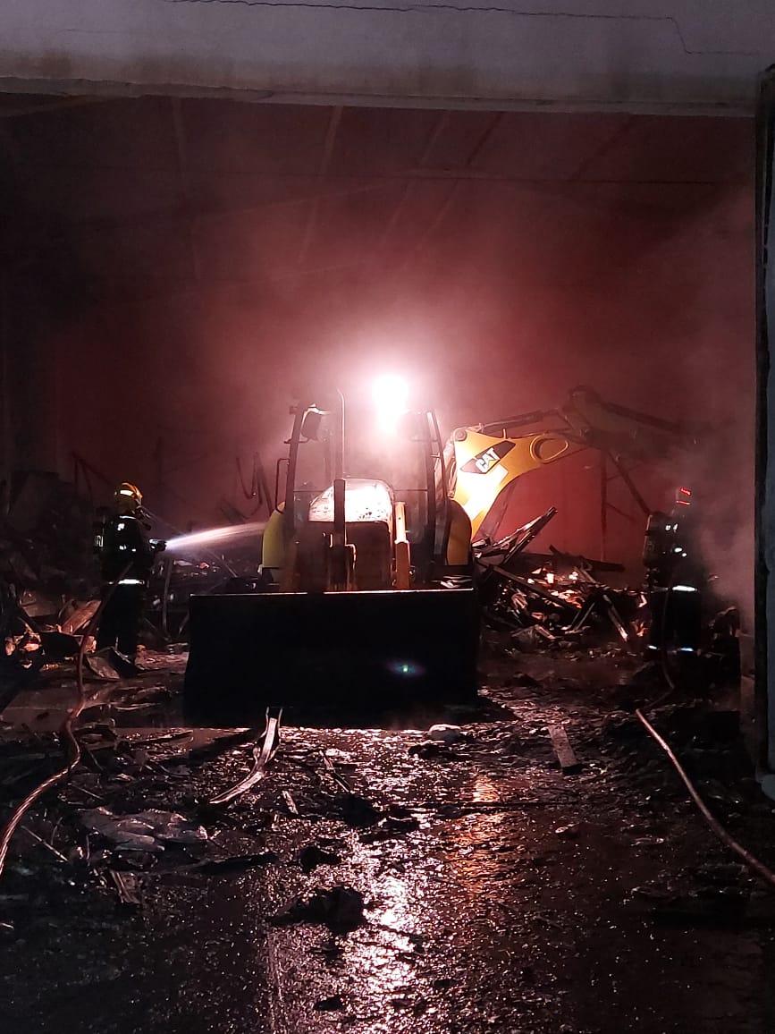 Combate ao incêndio durou mais de 5 horas - Corpo de Bombeiros Militar/Divulgação