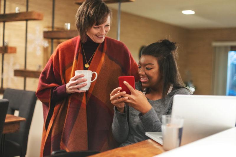 Benefícios corporativos ajudam o salário do funcionário a render durante todo o mês – Foto: iStock/Divulgação